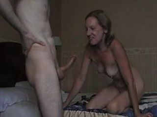 Old Whore Fiercely Fucked By Horny Guy In Hotel Room