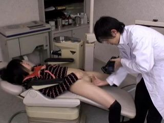 Creepy Dentist Assault Sexy Teen After He Gave Her Too Much Anesthesia