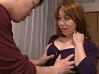 Mom Yumi Kazama Spread Irresistible Temptation In Horny Boys Head