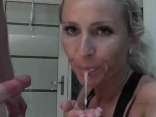 Quick Sucking And Fucking With A Provocative Milf
