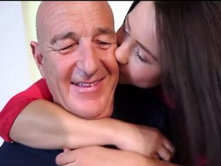 Teen Decide To Give Her Old Stepfather A Pleasure For Life Remembering