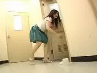 Japanese Young Mom Piss On The Floor
