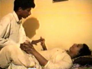 Mature Indian Couple Make a Sextape of Their Fuck