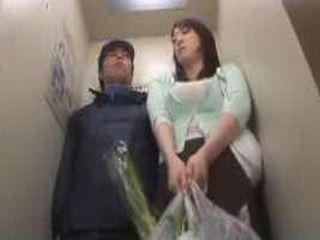 Girl Fucked In The Elevator - Fuck Fantasy