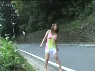 Hot Japanese Girl Offers Blowjob For A Free Ride