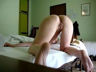 Amateur babe gets her ass fucked repeatedly
