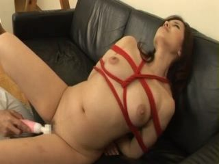 Sexy Japanese MILF In Ropes Gets Fucked