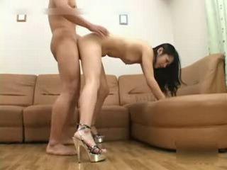 Japanese girlfriend gets creampie