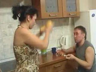 Sex with rowdy mom instead of breakfast (www.brawlincest.com)