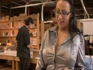 Delivery Boy Has First Expirience With Lady Boss