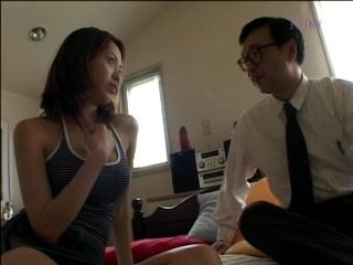 Japanese Daddy Came To Wake Up Stepdaughter