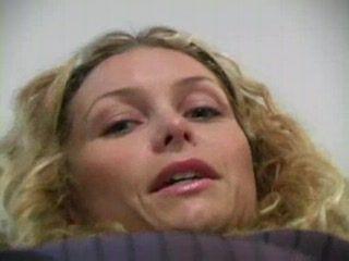 Sexy Heather Vandeven in Pantyhouse