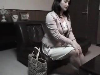 Mature Japanese Woman Fucked On House Cleaner Job Interview
