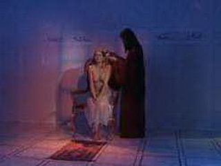 American Prisoner Woman Sent To Arab Prison Principle To Serve Him Tonight