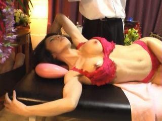 Hot Japanese MILF at Oriental Massage