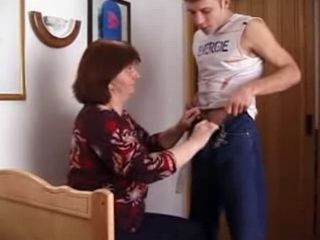 Raven-haired oldie does her best to please her sons thick meaty love pole