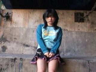 College Teen Gives Blowjob To Her Clasmate Under The Bridge