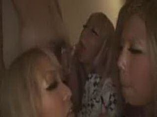 Japanese bad girls give public blowjob in a hotel hallway