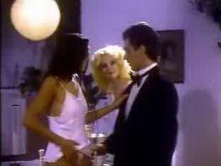 xxx classic Angel Buns 1981 (Veronica Hart, Tiffany Clark) 2
