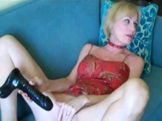 Boy Caught GFs Mommy Rubbing Her Pussy