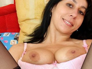 Old pussy Svatava dildo masturbation