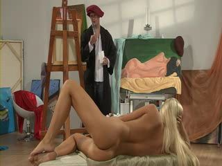 Painter Is Desperate For His Model Pussy