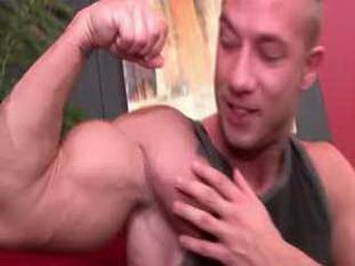 Hung str8 dude makes out with and gets fucked by a hot bodybuilder.