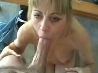 Sexy MILF gives great blowjob and gets fucked