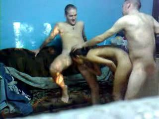 Amateur Romanian Teenagers Homemade Threesome
