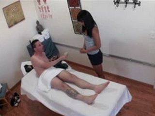 Asian Masseur Girl Accepts Extra Cash From American Guy For Additional Services
