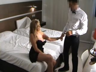 Amateur Mature Seduces Room Service Boy On Hidden cam