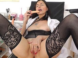 Good looking mature head nurse unshaven piss hole opening