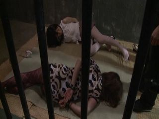 2 Jailed Girls Gets Fucked In Prison