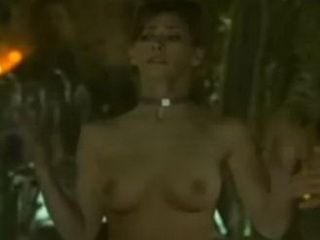Jennifer Love Hewitt Topless