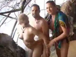 Amateur Couple Having Sex At Public Beach