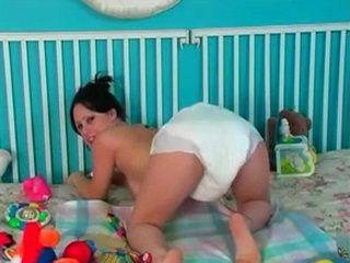 Teen in Diapers Pee xLx