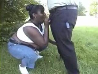 Amateur Black Mature Blows Cocks In The Park