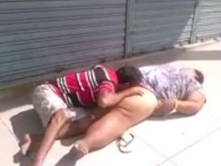 Homeless BBW Getting Pussy Eaten On The Street For A Sandwich