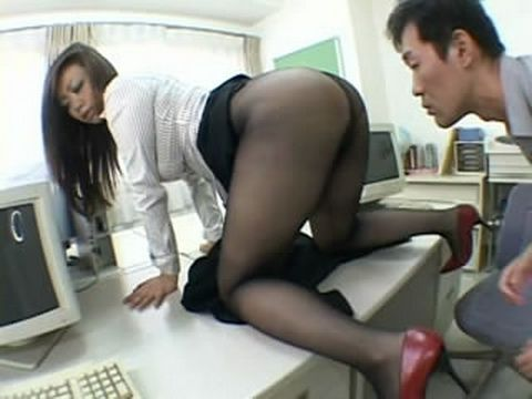 Harmless Dry Sex With Stunning Office Milf In Pantyhose