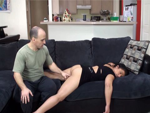 Twisted Man Took Advantage Over Drunk Girl