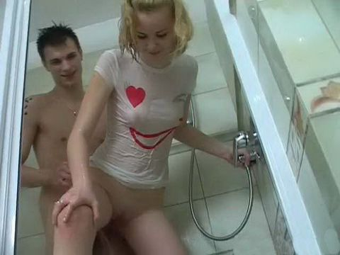 Honry Teens Enjoy In Sex Under The Shower