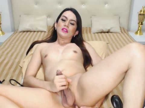 Pretty Tranny Wanks Her Huge Cock