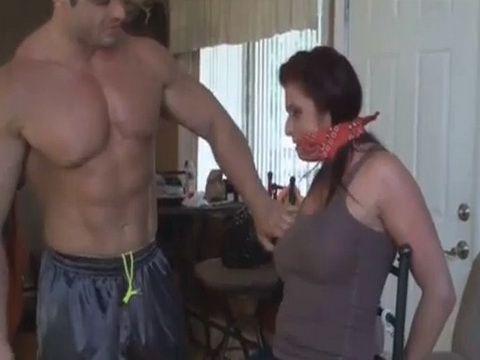 Bodybuilder Guy Punish Gagging Milf For Being Bitch