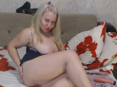 Chubby Blonde With Saggy Boobs Doing Webcam Anal
