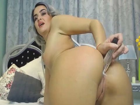 Ocean Wet and Leaking Pussy Orgasm Gray Hair Babe