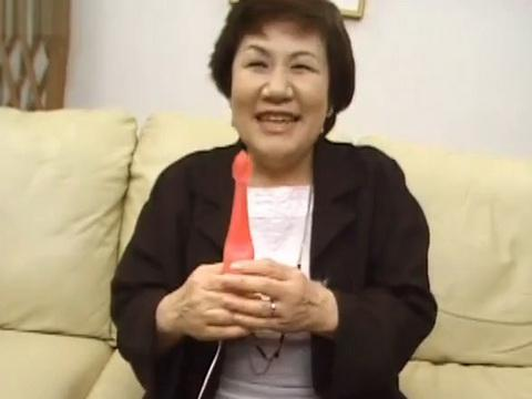 Japanese Granny Enjoy Sex Toys and Fuck