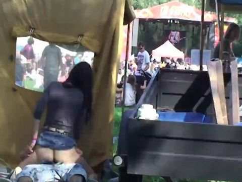 Voyeur Couple Fucking Outdoors in a Concert
