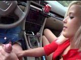 Cute Girl Outdoor Fucked in Car