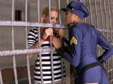 Lesbians Guard And Prisoner Play in Jail