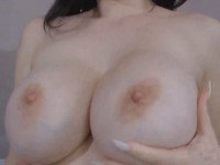 Beautiful Huge Tits Babe Gets Naughty on Cam